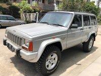Jual jeep cherokee 4.0L istimewa
