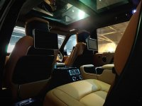 Land Rover: Range ROver Vogue 3.0 Autobiography (LWB) Like New (10 (Copy).jpg)