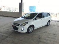 Mazda 8 A/T 2011 putih (18A34CC7-010B-4643-AE8C-8408CF267CFC.jpeg)