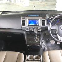 Mazda 8 A/T 2011 putih (D3D57DDF-3802-450E-A7EA-22C96129DB05.jpeg)