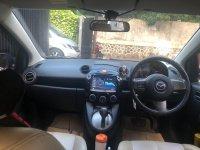 Dijual Sedan Mazda 2 (mazda dashboard depan.png)