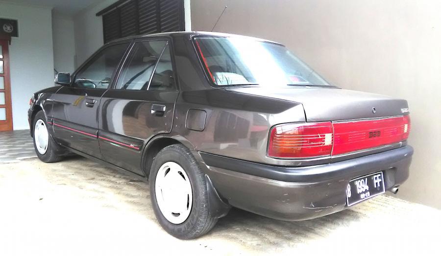 323: Dijual Mazda 232 Interplay, Kondisi Bugus, Tangan ...