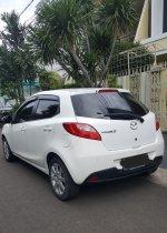 Jual Mazda 2 tipe HB V AT 2013. Putih. Super mulus.