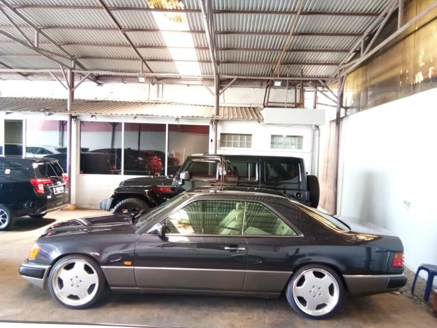 mercy 300CE Coupe W124 antik - MobilBekas.com