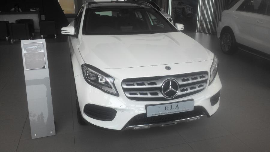 G Class: Mercedes Benz GLA 200 AMG Line - MobilBekas.com