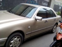 Mercedes-Benz 230TE: Jual Mobil Mercy NE E-230 tahun 1999 (Mobil-3.jpg)