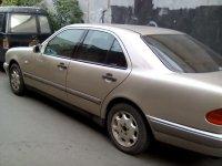 Mercedes-Benz 230TE: Jual Mobil Mercy NE E-230 tahun 1999 (Mobil-4.jpg)