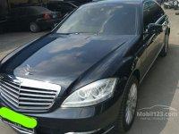 S Class: Mercy S-Class 300 2013 (gallery_used-car-mobil123-mercedes-benz-s-class-s300-l-solitaire-sedan-indonesia_3932345_foDH2PZzMF6qEKErlpDgRg.jpg)