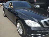 S Class: Mercy S-Class 300 2013 (gallery_used-car-mobil123-mercedes-benz-s-class-s300-l-solitaire-sedan-indonesia_3932345_auc8h5yIEGAq8M6Wp1TQlk.jpg)