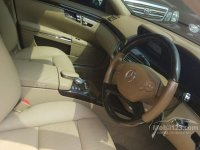S Class: Mercy S-Class 300 2013 (gallery_used-car-mobil123-mercedes-benz-s-class-s300-l-solitaire-sedan-indonesia_3932345_gMsyhiMIfycWpuJyvd4aTa.jpg)