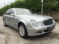 "Mercedes-Benz E Class: Mercedes Benz E200 Kompressor Mercy W211 thn 2005 ""Full Orisinil"" (Depan Kanan.jpg)"