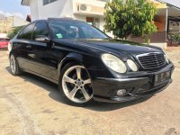 Mercedes-Benz E Class: Mercedes Benz E320 Avantgarde AMG Mercy W211 Panoramic KM 36rb AirSus (Depan Kanan.jpg)