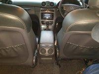 Mercedes-Benz: Mercedes Benz CLK 240 Hitam (fae9a32f-18ce-4641-814c-2264094163b8.jpg)