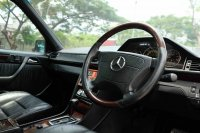Jual Mercedes-Benz E Class: Mercedes Benz Masterpiece Sportline W124 E320