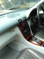 Mercedes-Benz: Dijual murah Mercy C180 2004 (Photo 9-4-20, 10 27 02 am.jpg)