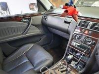 Mercedes-Benz E200: Dijual Mercedes Benz E-Class E 200 Kompressor (2000) (WhatsApp Image 2020-04-13 at 10.50.33 (1).jpeg)