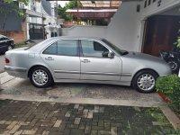 Mercedes-Benz E200: Dijual Mercedes Benz E-Class E 200 Kompressor (2000) (WhatsApp Image 2020-04-13 at 10.50.25.jpeg)