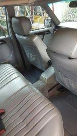Mercedes-Benz 220E: Mercedez Benz Master Piece E220 (mercy5.jpg)