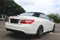 Mercedes-Benz E Class: FLASH SALE MURAH MERCY E250 CABRIOLET AT 2011 PUTIH