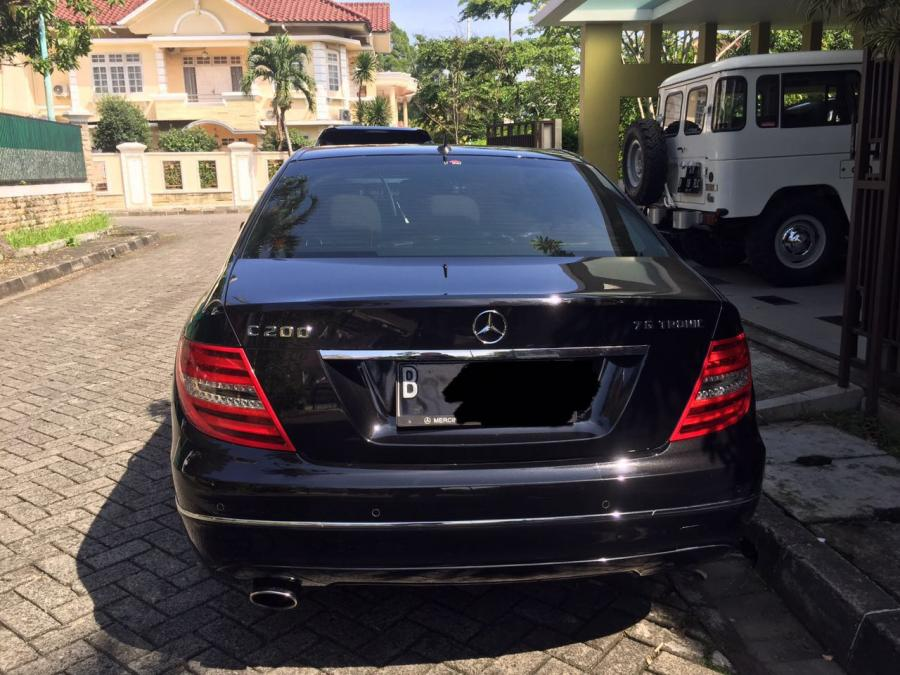 mercedes benz c200 bekas with 407 Jual Mercy C200 Cgi Avantgarde 2011 on 5055789 likewise 4514374 moreover 3652220 together with 3758480 also 4922963.