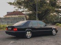 Mercedes-Benz S300SE (belakang.jpg)