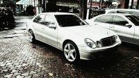 Mercedes-Benz: Mercedes Bens E Class E 260 Matic Silver Tahun 2006 Mulus Low Km (mercy5.jpg)