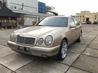 Mercedes-Benz E Class: Mercedes benz e230 1999 new eyes antik