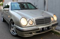 E Class: Mercedes-Benz W210 1997