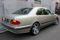 E Class: Mercedes-Benz W210 1997 (D.jpg)
