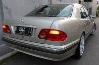 E Class: Mercedes-Benz W210 1997 (E.jpg)