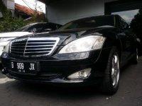 Mercedes-Benz S Class: Mercedes benz s300 sangat istimewa