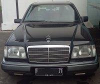 Jual Mercedes-Benz 300E: Mobil tua yang pernah muda tapi masih disukai kaum muda
