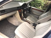 Mercedes-Benz 220E: Mercedes Benz E220 Th 1994 (WhatsApp Image 2017-10-28 at 12.56.24 PM(1).jpeg)