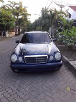 Mercedes-Benz E Class: Mercy New Eyes E 230 MT tahun 1996 sangat terawat (IMG-20171127-WA0004.jpg)