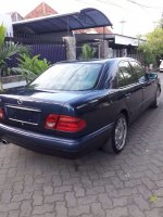 Mercedes-Benz E Class: Mercy New Eyes E 230 MT tahun 1996 sangat terawat (IMG-20171127-WA0005.jpg)