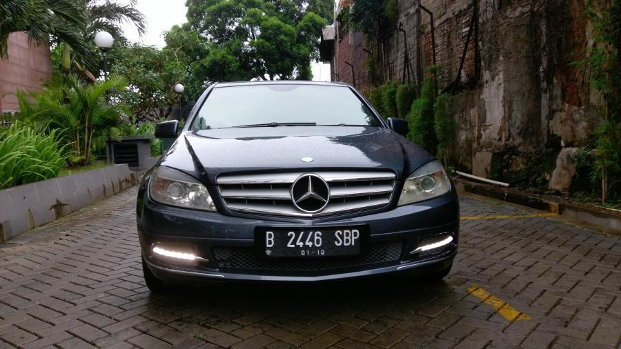 C Class Mercedes Benz C200 Grey Tenorite On Brown