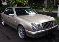 Mercedes-Benz E Class: Mobil untuk yang berjiwa muda ... (04.jpg)