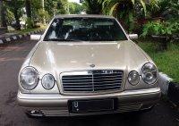 Mercedes-Benz E Class: Mobil untuk yang berjiwa muda ... (02.jpg)