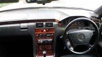 Mercedes-Benz E Class: Mobil untuk yang berjiwa muda ... (07.jpg)