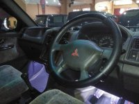 Mitsubishi Kuda Grandia Tahun 2002 (In Depan.jpg)