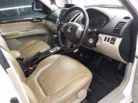Mitsubishi Pajero Sport Exceed 2015 AT Putih (5.jpg)