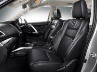 Pajero Sport: Pajero Rockford Black Edition!!! (Mitsubishi-Pajero-Sport-Rockford-Fosgate-interior-bangku-depan.jpg)