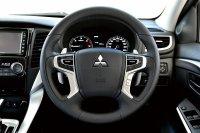 Promo DP Ringan Mitsubishi All New Pajero Sport Exceed 4x2 A/T (mitsubishi all new pajero sport dakar putih 2017 interior1.jpg)