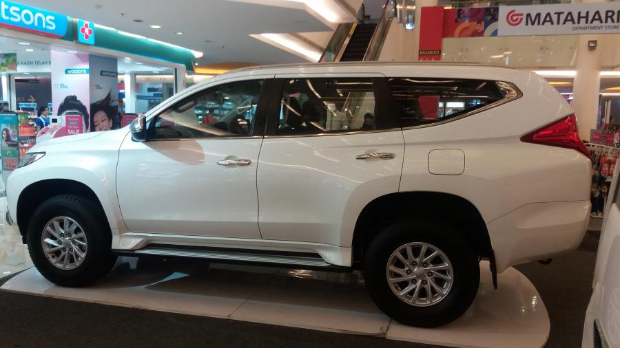 Promo DP Ringan Mitsubishi All New Pajero Sport Exceed 4x2 ...