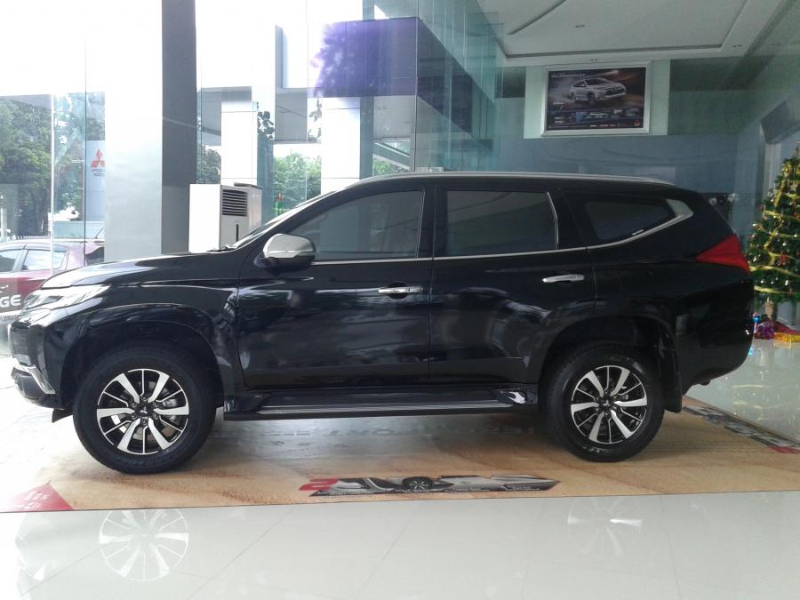 ALL NEW PAJERO SPORT DAKAR 4x2 A/T 2017 mitsubishi all new pajero