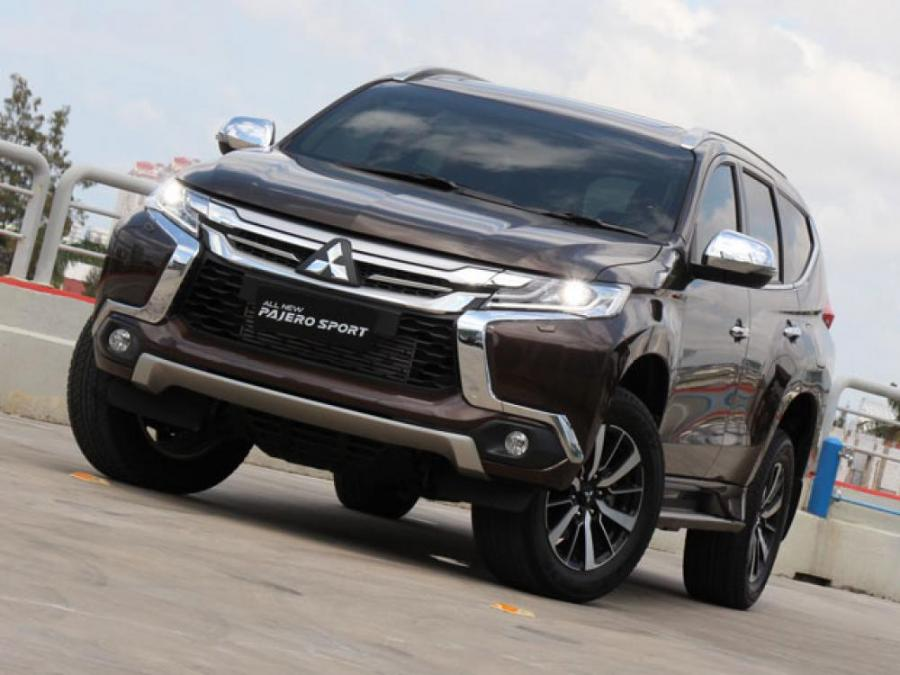 MITSUBISHI PAJERO SPORT DAKAR 4X2 AT 8 SPEED FULL ...