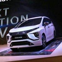 Mitsubishi: Xpander MPV Low Booking 5 Jt