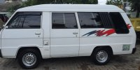 Mitsubishi: Colt Diesel L300 2014 (IMG_3717.JPG)