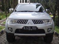 Mitsubishi Pajero Sport Thn 2011 Silver Metalik (depan-9.jpg)