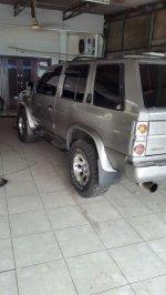 Nissan Terrano: Dijual mobil nisan terano spirit 2.4 tahun 2003